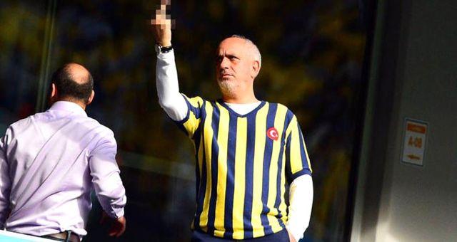 Fenerbahçeli Yönetici Cenk Başak, Galatasaray Taraftarına Orta Parmak İşareti Yaptı