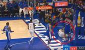 NBA'de Ersan İlyasova, FETÖ'cü Enes Kanter'i Yere Serdi