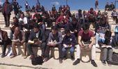 Tarihi Kent Meydanında Kitap Okudular
