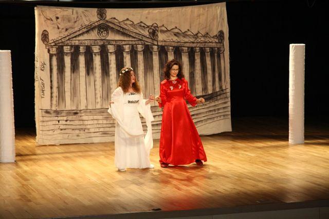 Halk Merkezlerinden Yıl Sonu Tiyatro Gösterisi