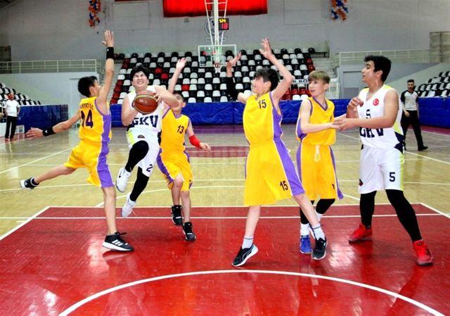 Okullararası Basketbol Yarı Final Müsabakaları Sona Erdi