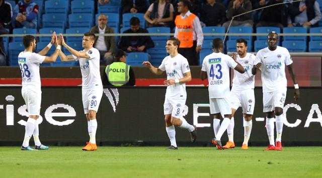 Trabzonspor, Kasımpaşa'dan Fark Yedi: 5-2
