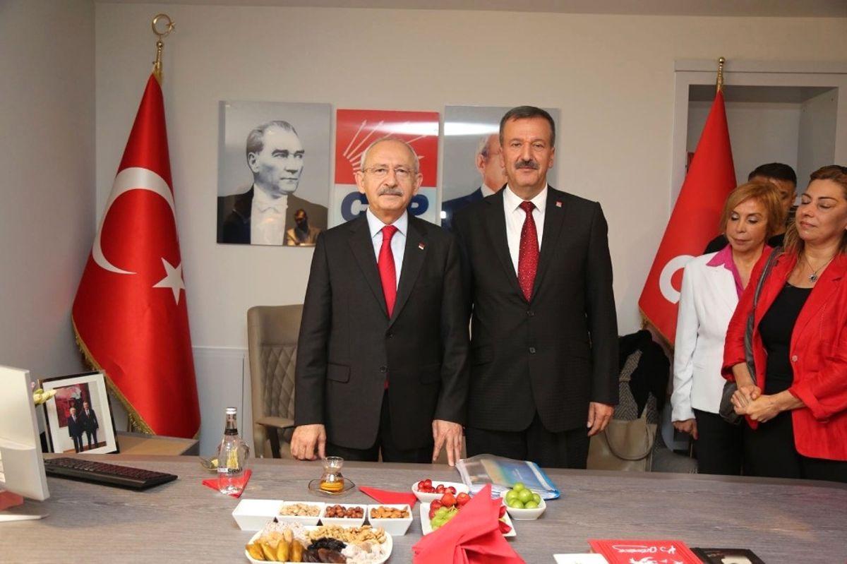 Mersin'de CHP'nin Yeni İl Binası Kılıçdaroğlu'nun Katılımı ile Açıldı