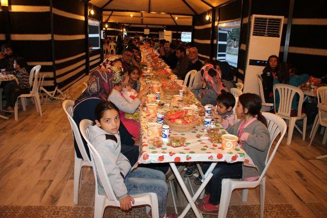 Midyat'ta İlk Kez Kurulan İftar Çadırında Bin Kişi Oruç Açtı