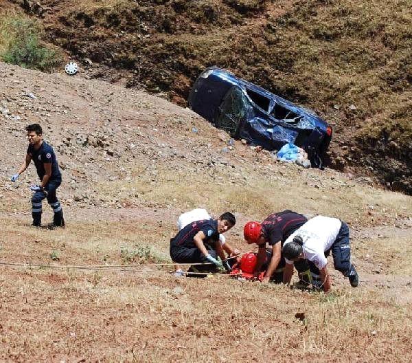 Bayram Ziyaretine Giden Aile Kaza Geçirdi: 1 Ölü, 3 Yaralı
