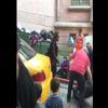Taksicinin Kendisini Trafiğe Sokan Kadın Turiste Tepkisi Kamerada