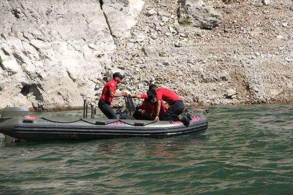 Kanyonda 4 Gün Önce Kaybolan Tur Rehberine Ulaşılamadı