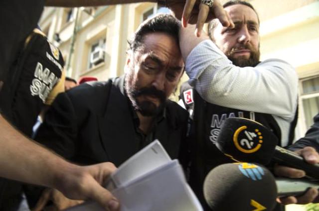 Gözaltına Alınan Adnan Oktar'ın Mal Varlığına El Konuldu