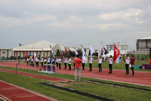 Atletizm 4. Uluslararası Sprint ve Bayrak Yarışmaları Kupası Erzurum'da Başladı