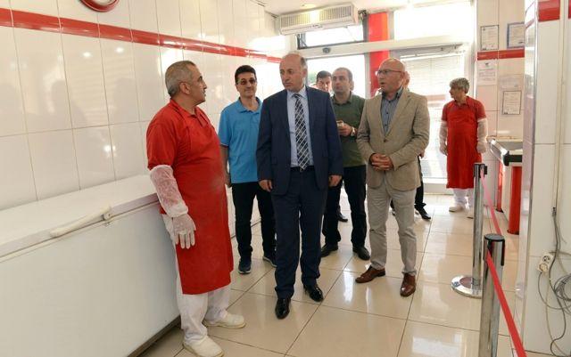 Vali Azizoğlu, Et ve Süt Kurumu Mağazalarını Gezdi