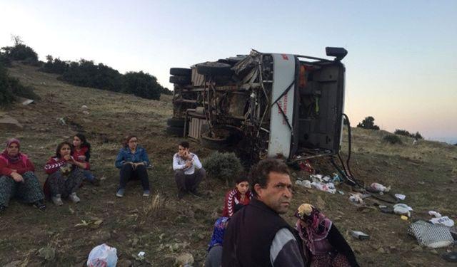 Manisa'da Tarım İşçilerini Taşıyan Servis Devrildi: 26 Yaralı