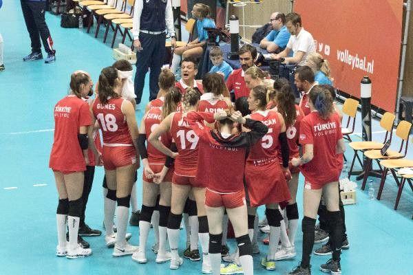 A Milli Kadın Voleybol Takımı, İtalya'ya Mağlup Oldu