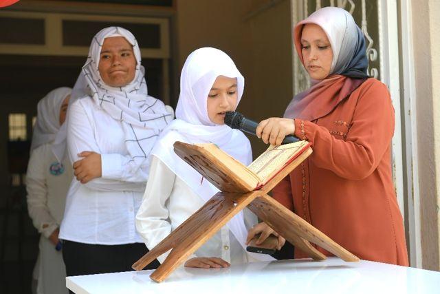 Mehmet Akif Bilgi Evi'nde Mezuniyet Heyecanı
