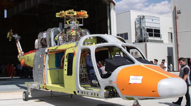 T625 Genel Maksat Helikopteri'nin ilk prototipinin üretimi tamamlandı. Tasarım ve üretimi yerli olan helikopter, yoğun sistem ve yer testleri sonrasında gökyüzüyle buluşmaya hazırlanıyor.   Sungurlu Haber