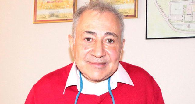 Prof. Kuraldan Cem Yılmaza 10 bin TLlik dava