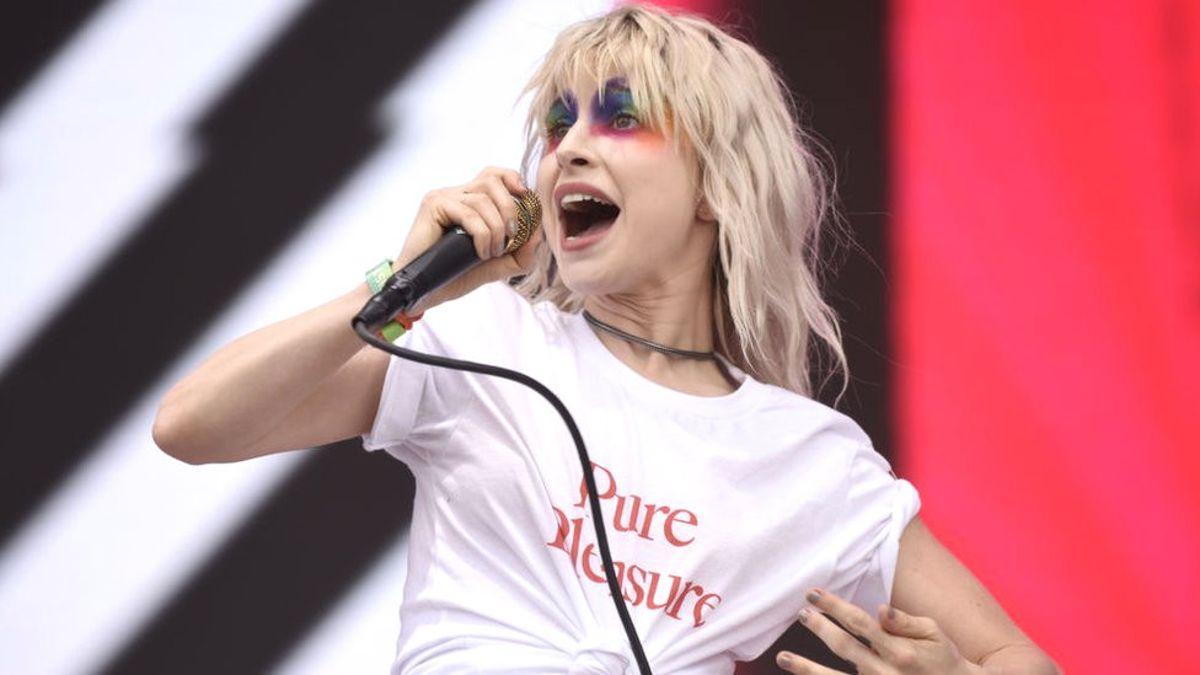 En Popüler Şarkılarını Söylemeyi Reddeden Beş Sanatçı