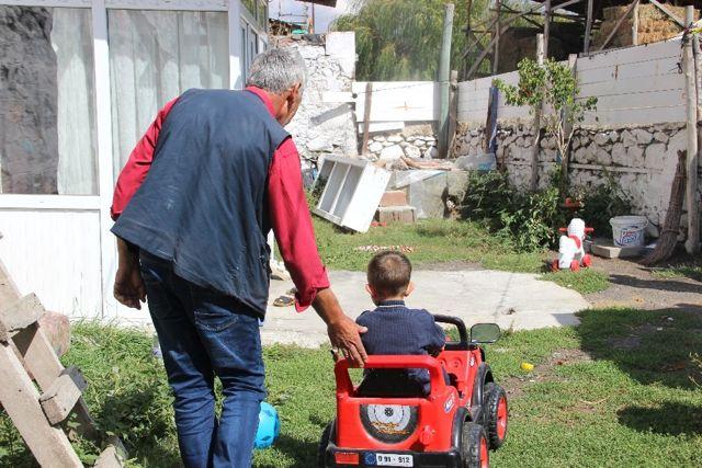 Oğlunu İcra Memuruna Teslim Etmeyen Baba Tutuklandı