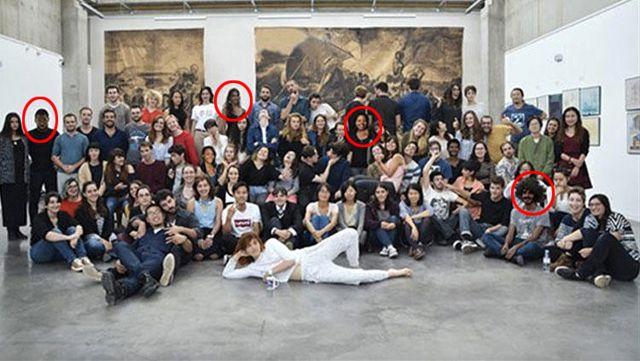 Fransa'daki Bir Okulun Tanıtım Fotoğrafında Beyaz Öğrenciler, Photoshop ile 'Siyaha' Boyandı - Los Angeles Haberleri