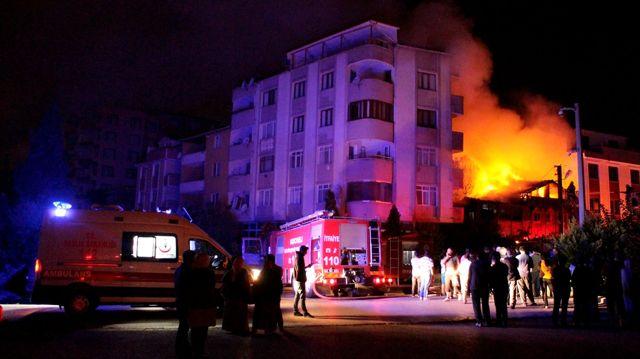 Güncelleme - Kocaeli'de Suriyeli Ailenin Evinde Yangın: 2 Ölü, 3 Yaralı