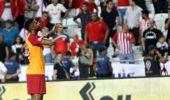 Dong Galatasaray'ı İpten Aldı