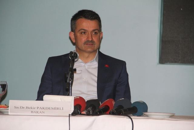 Bakan Pakdemirli: 'Vatandaşın Ekmeğine Göz Diken Fırsatçılara Göz Açtırmıyoruz'