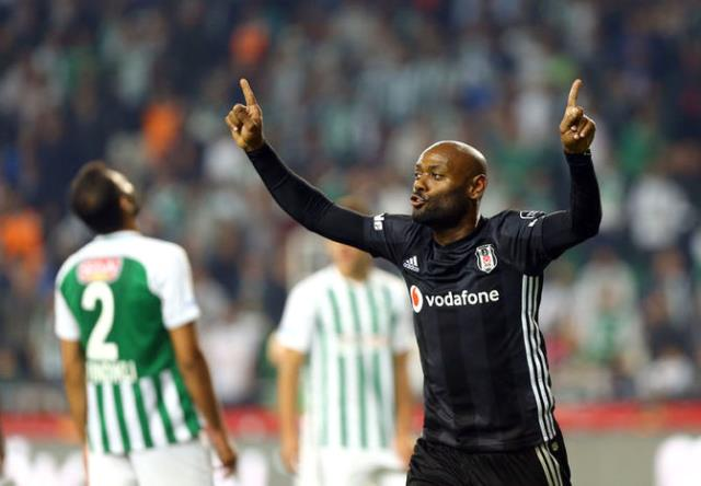 Santos, Vagner Love için Beşiktaş'a 2 Milyon Dolar Teklif Edecek