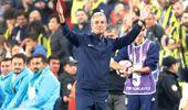Fenerbahçeli Taraftarlar, Ankaragücü Maçında İsmail Kartal'ı Alkışladı