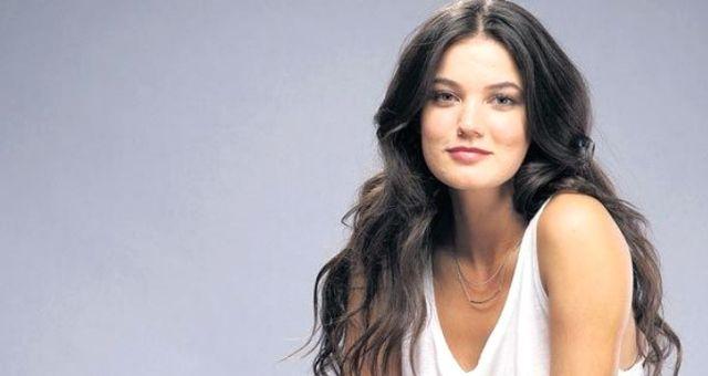 Berk Cankat ile Aşk Yaşayan Pınar Deniz Kimdir?