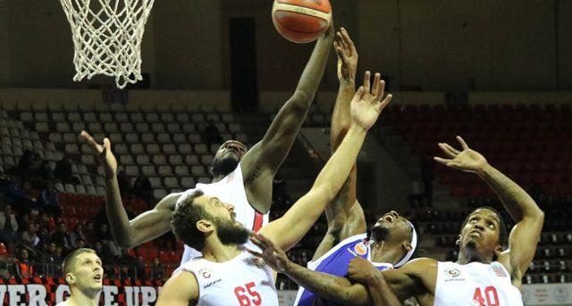 Gaziantep Basketbol, Arel Üniversitesi'ni Rahat Geçti: 76-60