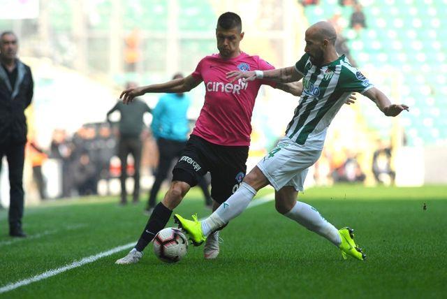 Spor Toto Süper Lig: Bursaspor: 1 - Kasımpaşa: 1 (İlk Yarı)