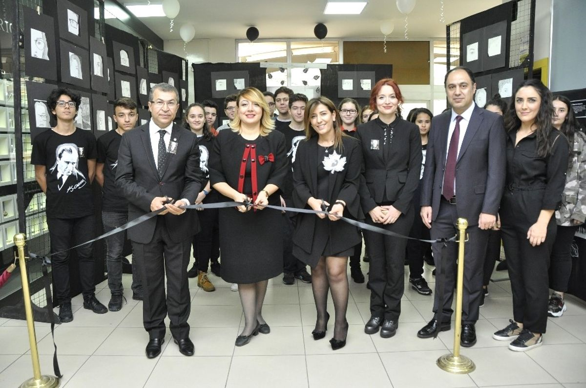 Gkv Liselerinden Kara Kalem Resim Sergisi