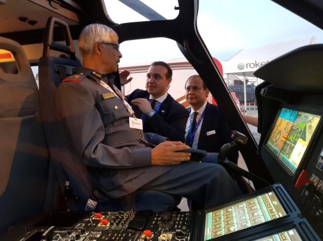airshow da tanitilan tusas helikopteri pilot 11443158 2979 m