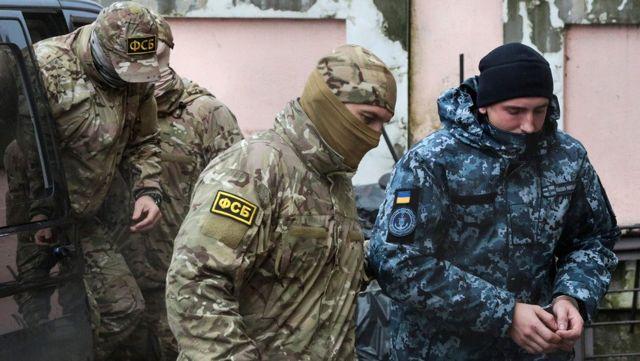 Kırımda mahkeme 9 Ukraynalı denizci için daha tutuklama kararı verdi 79