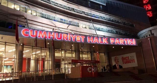 Atatürk'ün Fotoğrafını İndirdiği Gerekçesiyle CHP'den İhraç Edilen Eski Vekil, Partiye Geri Dönüş Sinyali Verdi