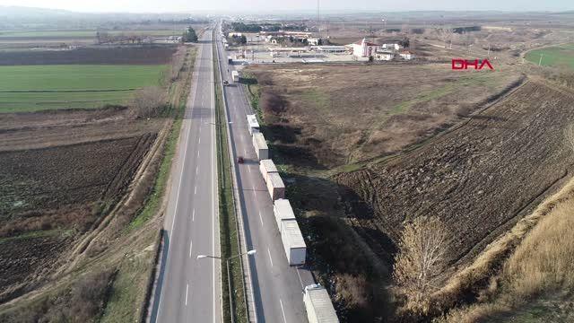 Edirne Kapıkule'de 12 Kilometre Tır Kuyruğu