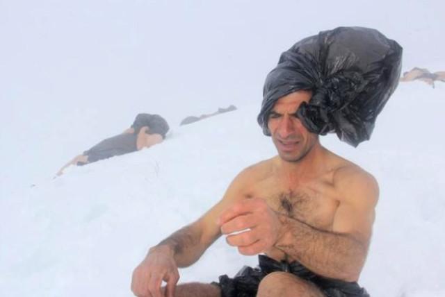 turkucu-aydin-dan-poset-yasasina-kar-banyolu-11521812_2048_m.jpg