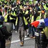 Macron'un Vaatleri İşe Yaramadı! Sarı Yelekliler'in Gösterisi Öncesinde 25 Eylemci Gözaltına Alındı