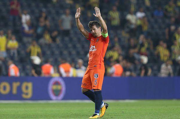 Fenerbahçe'ye Gideceği Konuşulan Emre Belözoğlu: Tamamen Başakşehir'in Başarısına Odaklanmış Durumdayım