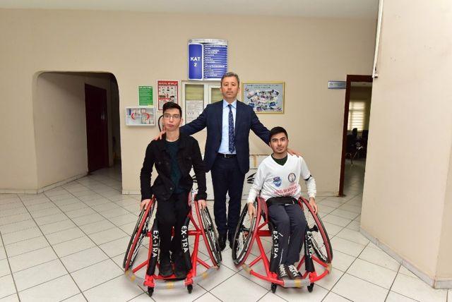 Tekerlekli Sandalyeler Engelli Sporculara Teslim Edildi