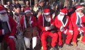 İzmir Arsa Mağdurları Noel Baba Kostümüyle Eylem Yaptı