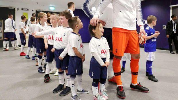 İngiltere Çocuklardan Para Alan 'Açgözlü Kulüpleri' Tartışıyor