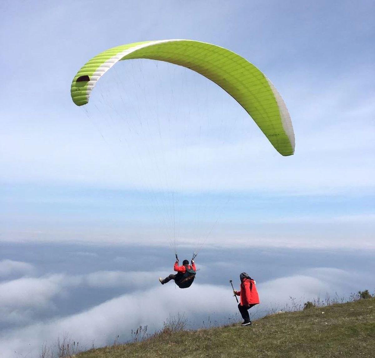Samsunlu Paraşütçülerin Bulutlarla Dansı