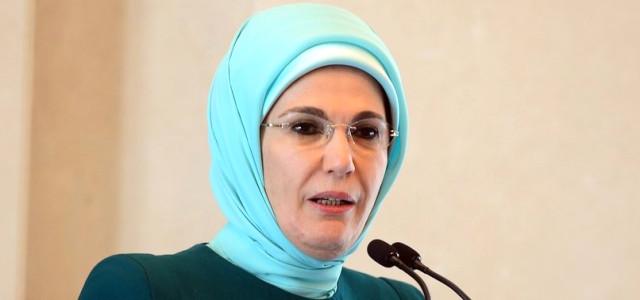 emine-erdogan-parali-poset-uygulamasini-11621162_1851_m.jpg
