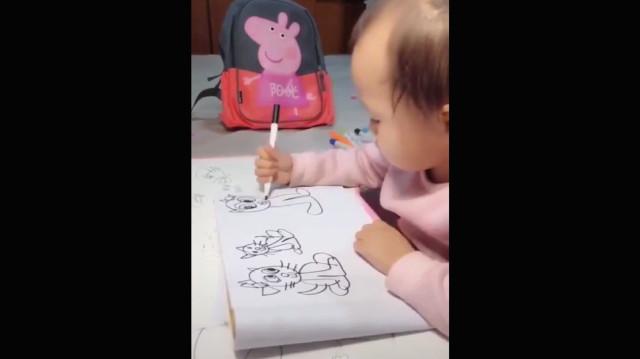Henüz 1 Yaşında Olan Bebek Kusursuz Resimler Yapıyor