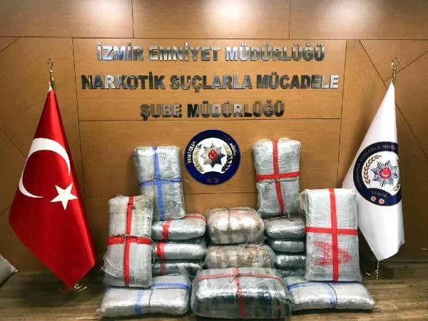 İzmir'de 200 Kilogram Daha Skunk Ele Geçirildi