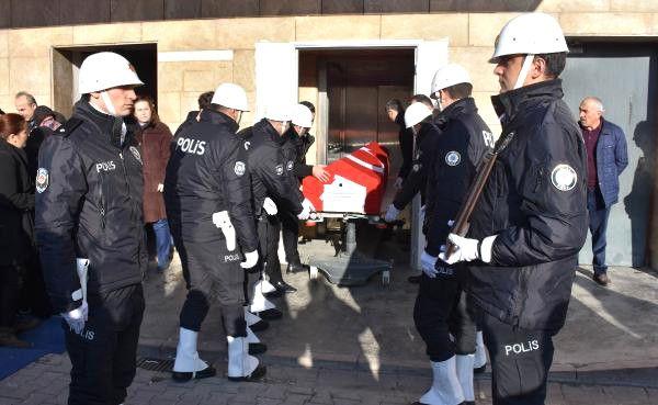 Sivas Haberleri: Beyin kanaması geçiren polis memuru hayatını kaybetti 20