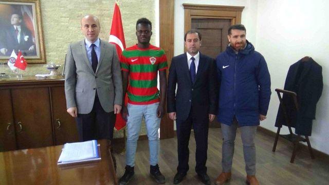 Senegalli Futbolcu Kulp'a Transfer Oldu