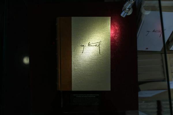 Yılmaz Özdil'in Kitabı Satışa Çıktı