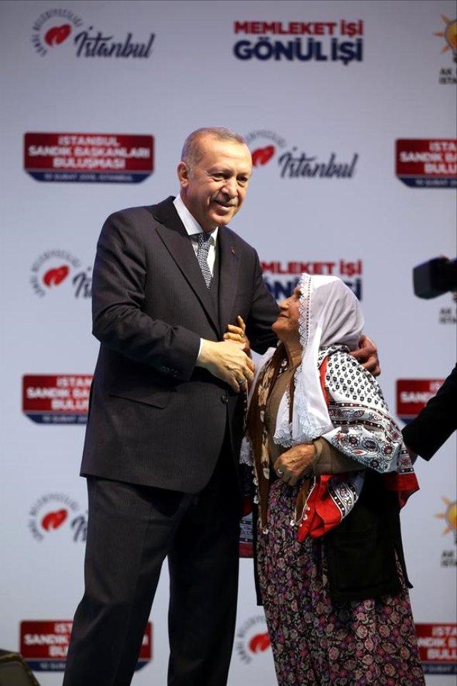 cumhurbaskani-erdogan-83-yasindaki-meliha-teyze-11729685_22_m.jpg