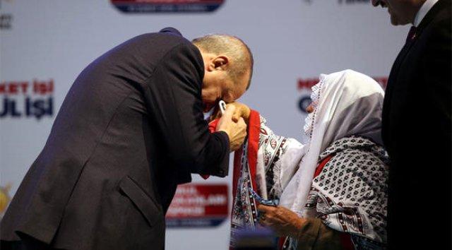 cumhurbaskani-erdogan-83-yasindaki-meliha-teyze-11729685_9068_m.jpg